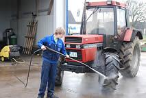 Waschplatz für Traktoren und PKW